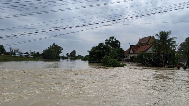 Death Toll Rises as More Provinces Hit by Floodwaters